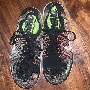Women's Nike Free Flyknit 4.0. Size 8